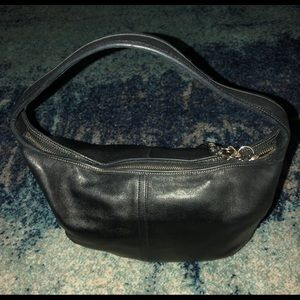 DESIGNED BY COACH!!! REAL LEATHER SHOULDER BAG